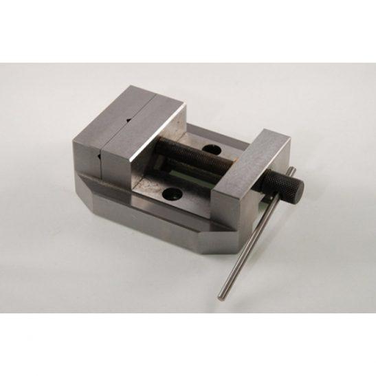 Stepcraft-CNC-Bench-Vice-PM60-3DHUBgr-01